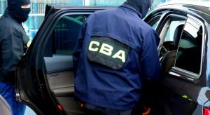 Sześć osób zatrzymanych, działanie w zorganizowanej grupie i wyłudzenie pieniędzy z NCBiR