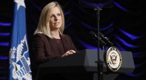 Dymisja amerykańskiej sekretarz. Firmowała budowę muru Trumpa