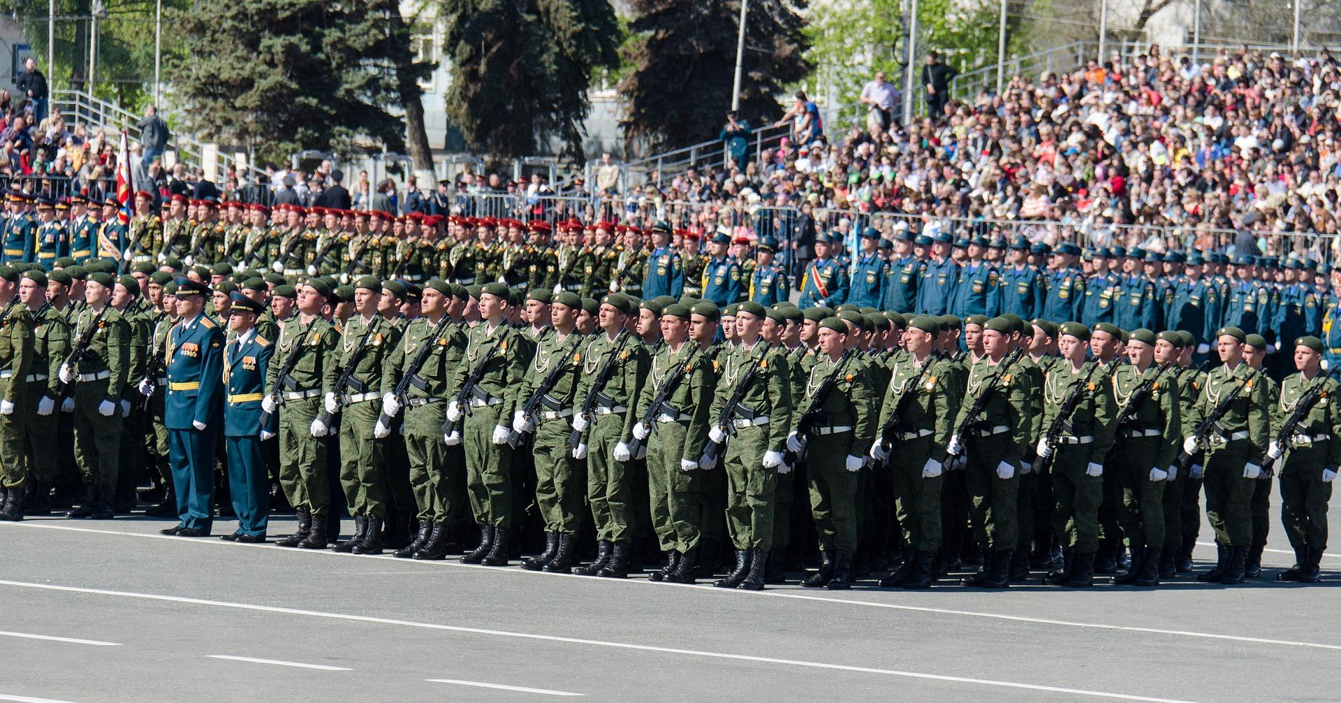Wojska państw alianckich na paradzie zwycięstwa z okazji zakończenia II wojny światowej. (fot. pixabay.com)