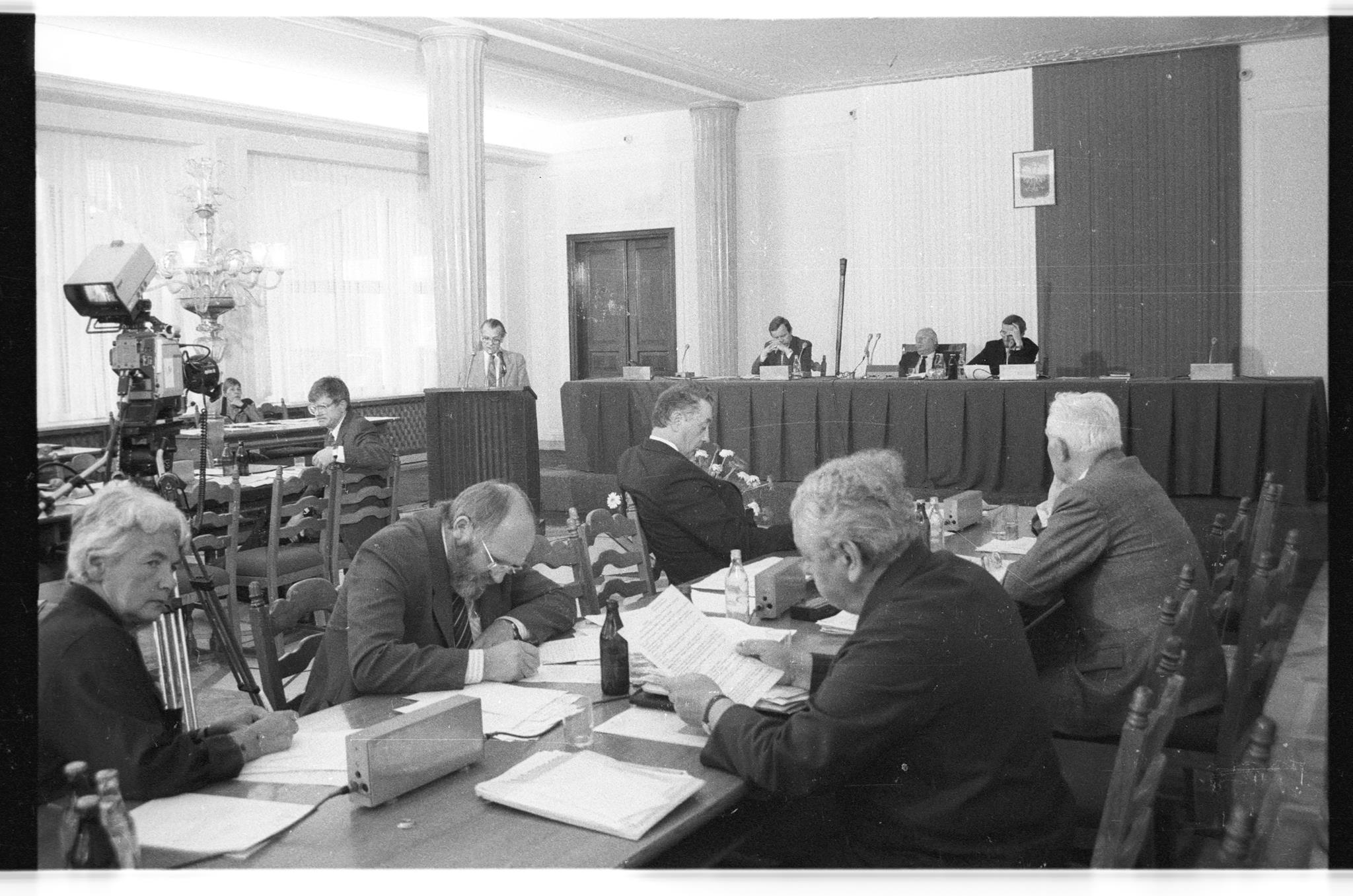 32. posiedzenie Senatu I kadencji, które odbyło się 28 września 1990 r. (fot. J. Doktór/Kancelaria Senatu RP/flickr.com)
