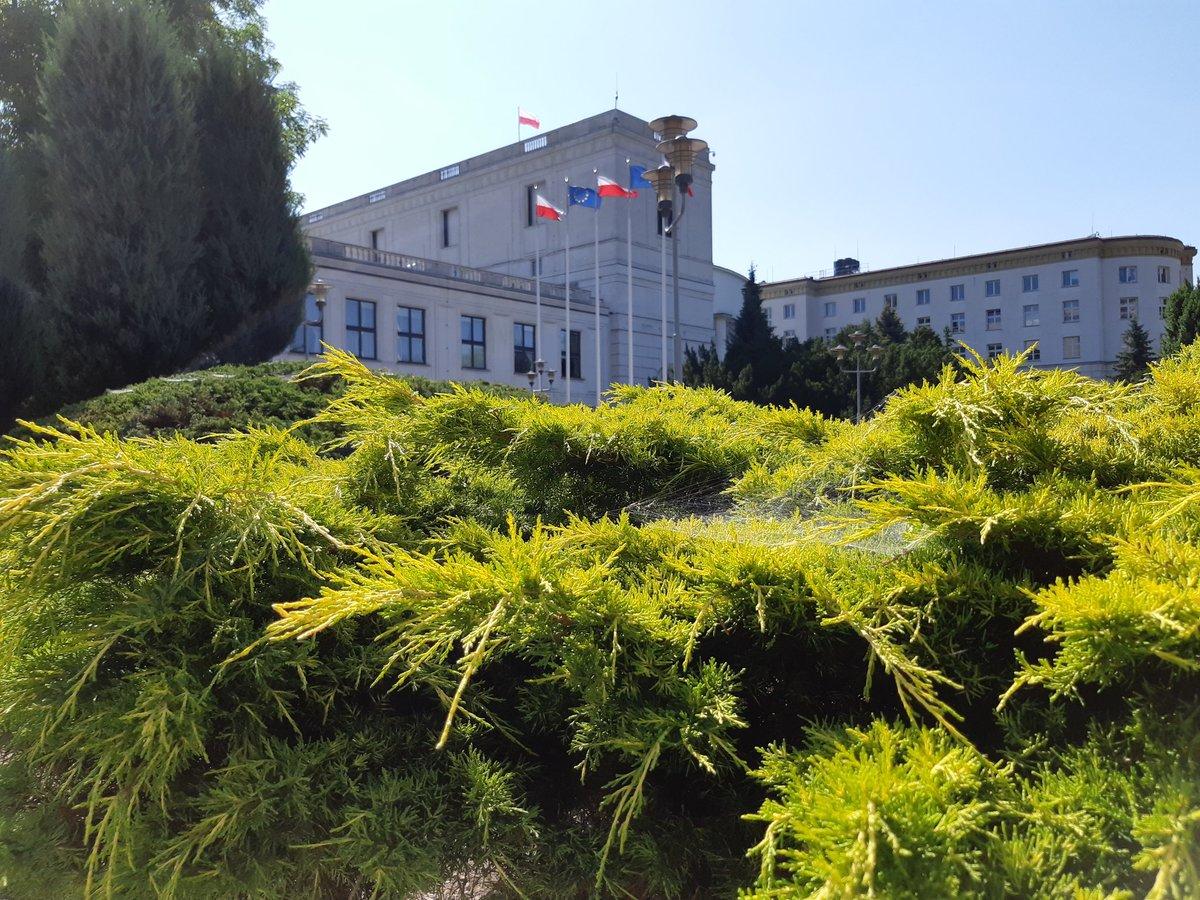 W nadchodzących dniach najwięcej w Sejmie będzie się pracować nad ustawą budżetową za 2018 r. Sejm kończy procedować sprawozdania z jej wykonania. To bardzo ważna ustawa w naszym kraju. Kreuje politykę państwa w niemal wszystkich sferach działania władzy (fot. Sejm RP/twitter.com)