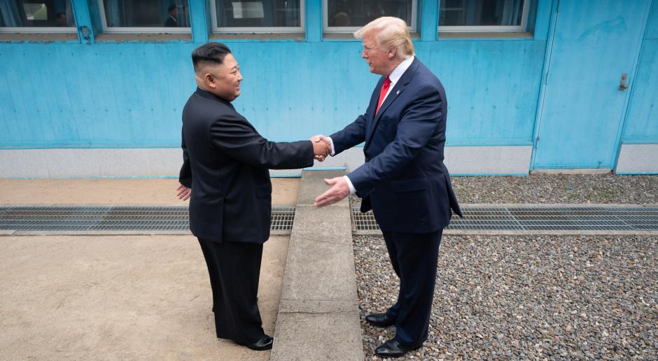 """Trump: Kim wystosował list z """"małymi przeprosinami"""" za testy rakietowe"""