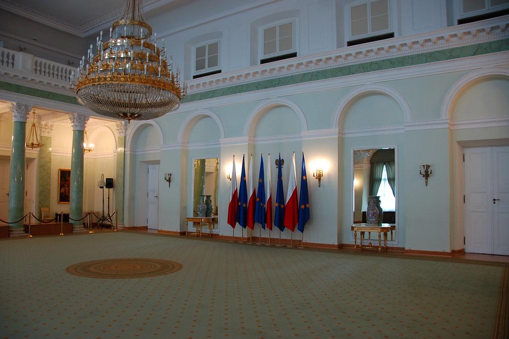 Jedno z wnętrz Pałacu Prezydenckiego, w którym polscy prezydenci przyjmują dostojników zagranicznych. (fot. Krzysztof Belczyński/flickr.com/CC BY-SA 2.0)