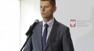 Piontkowski: To samorządy decydują ile miejsc stworzyć w szkołach