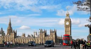 Brytyjscy konserwatyści mogą uzyskać przewagę 68 mandatów