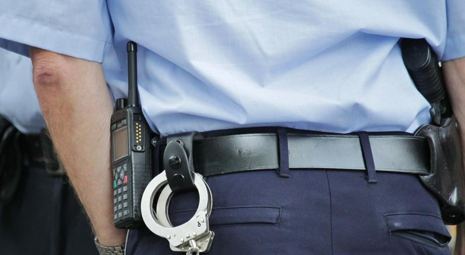 Dwóch policjantów we Włoszech zastrzelonych na komendzie