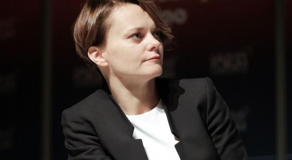 Jadwiga Emilewicz: krzesła ministrów są gorące