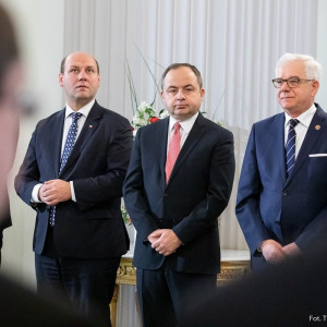 Konrad Szymański - Minister do spraw Unii Europejskiej - oceniaj pracę rządu