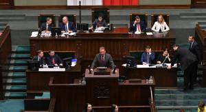 Kancelaria Sejmu precyzuje, co się działo przy głosowaniach 49 i 52