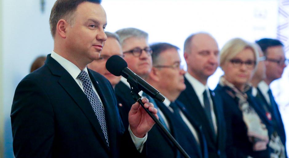 Kantar zapytał Polaków o zadowolenie z pracy prezydenta i premiera. Oto wyniki