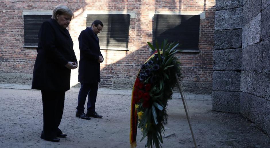 Angela Merkel i Mateusz Morawiecki oddali hołd wszystkim ofiarom Auschwitz