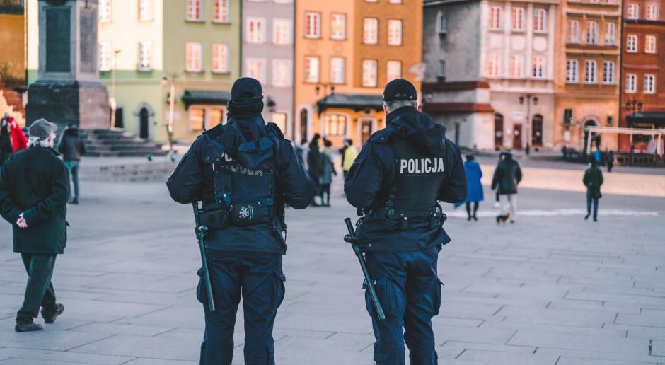 Sondaż: 33 proc. Polaków nie ufa policji