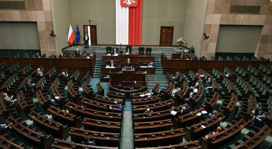 Sejm wznowił obrady; zajmie się poprawkami Senatu do rządowych specustaw