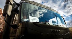 Szef MON: środki ochrony osobistej przetransportowane przez żołnierzy trafiły do szpitali