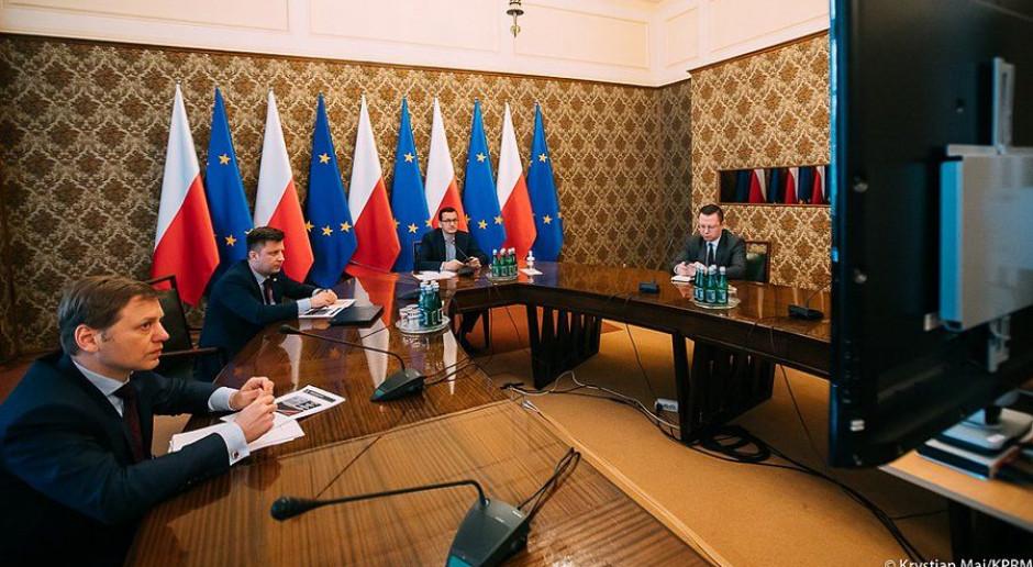 Gospodarczy sztab kryzysowy z udziałem premiera Morawieckiego