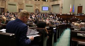 Pięć partii w Sejmie, PiS z ponad 50-proc. poparciem