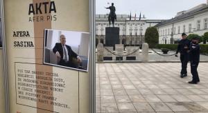 """""""Muzeum afer PiS"""" stanęło przed Pałacem Prezydenckim"""