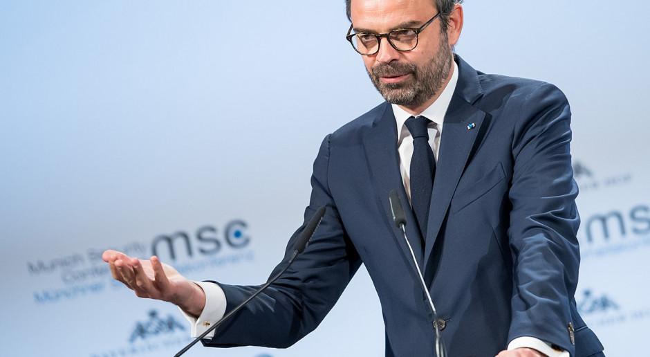 Premier Francji podał się do dymisji