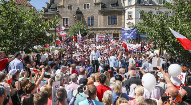 Wnioski o ukaranie organizatorów zgromadzeń po wiecu Andrzeja Dudy