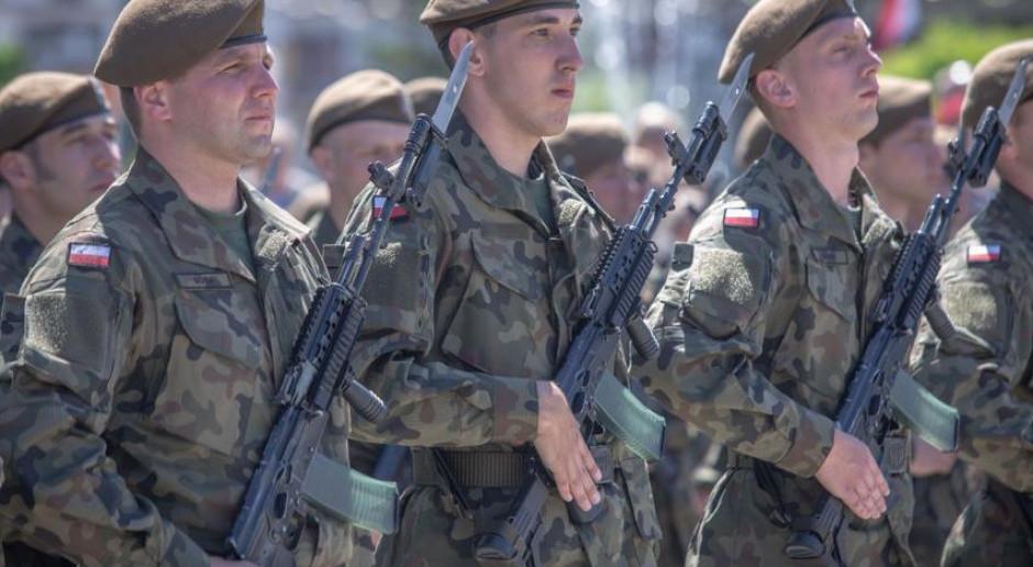 Łódzkie: Stu nowych żołnierzy WOT złożyło przysięgę w Zgierzu i Kutnie