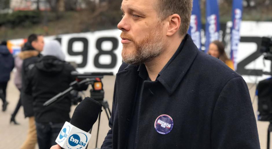 Adrian Zandberg: Budce bardziej przeszkadza proeuropejska Lewica niż antyunijny Ziobro