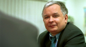Ambasada Gruzji zaprezentowała znaczek pocztowy dedykowany Lechowi Kaczyńskiemu