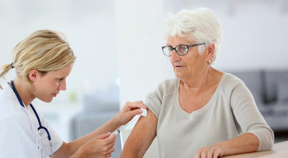 Senatorowie KO apelują o refundację szczepień dla osób starszych i z grupy najwyższego ryzyka