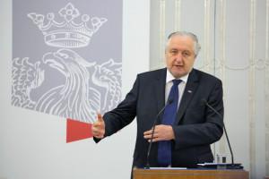 Rzepliński: Nie ma aprobaty dla wycia pod oknami Kaczyńskiego
