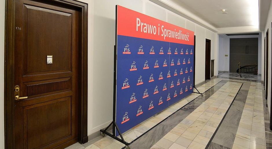 Sośnierz: Moje odejście z klubu PiS wynika z zawiedzionych nadziei na poprawę sytuacji w Polsce