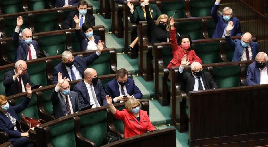 Zjednoczona Prawica spodziewa się ponad 300 głosów za przyjęciem KPO