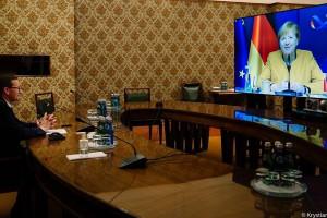 Po rozmowie Morawieckiego z Merkel polski rząd liczy na nowe propozycje