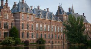 Holenderski parlament chce pozwania Polski ws. praworządności
