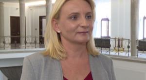 Komisja negatywnie o łączeniu przez poseł Ścigaj mandatu poselskiego z pracą w ośrodku pomocy