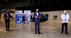 Morawiecki wzywa KE, by przymusiła firmy farmaceutyczne do właściwej realizacji umowy na dostawy szczepionek
