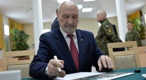 Kiedy raport końcowy dot. katastrofy w Smoleńsku Macierewicza?
