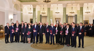 Przybywa przeciwników rządu i premiera