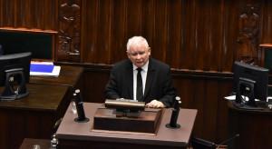 Nadal rośnie poparcie dla PiS i Szymona Hołownii