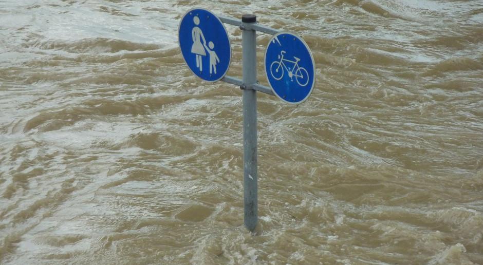 IMGW: Możliwe gwałtowne wzrosty stanów wód i lokalne podtopienia na znacznym obszarze kraju