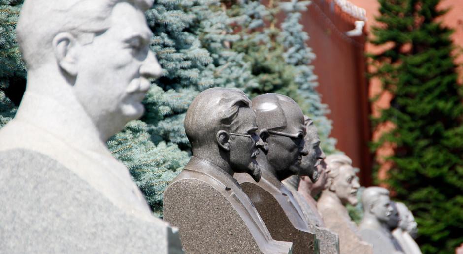 W Archiwum Akt Nowych projekt konstytucji PRL z odręcznymi poprawkami Stalina