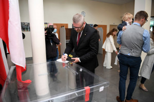 Rzeszów: Grzegorz Braun publicznie oddał głos w wyborach na prezydenta miasta