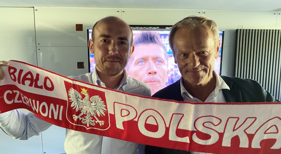 Budka i Tusk wspólnie oglądają mecz Polska-Słowacja