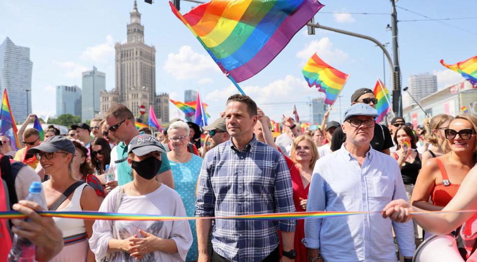Trzaskowski na Paradzie Równości: Tutaj bije serce uśmiechniętej Polski