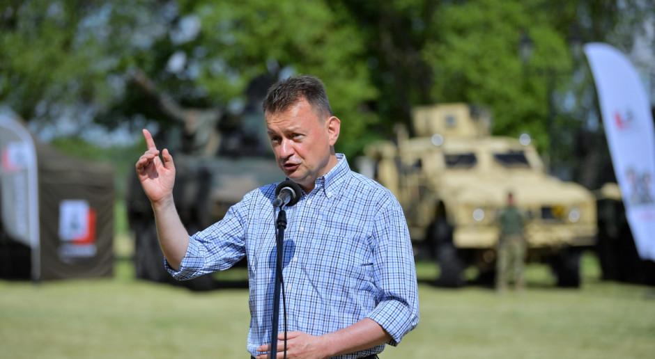 Szef MON zachęca do służby wojskowej i szczepień, chwali Polski Ład