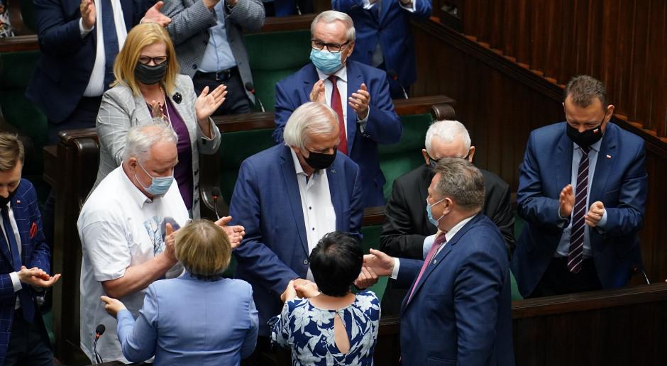 Wotum nieufności odrzucone. Ryszard Terleckiego zostaje na stanowisku wicemarszałka Sejmu