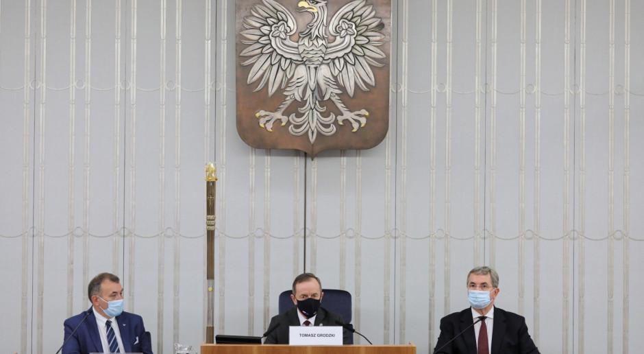 Pęk (PiS): Widzimy noc autorytaryzmu w Senacie; Grodzki blokuje rozpatrzenie wniosku o uchylenie mu immunitetu