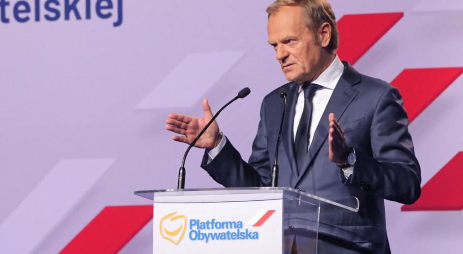 Tusk o PiS: Okradają młodych Polaków z marzeń o lepszej przyszłości