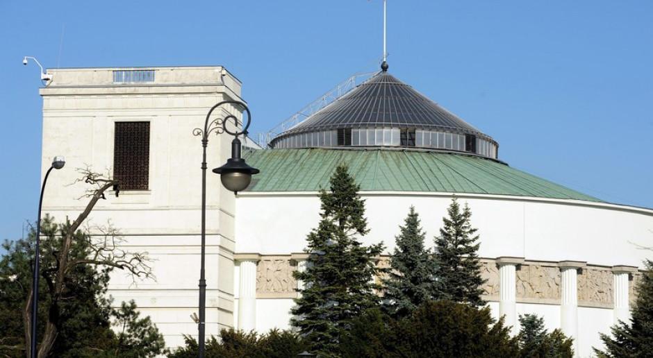 Lewica składa projekt noweli ustawy o komisji do spraw pedofilii