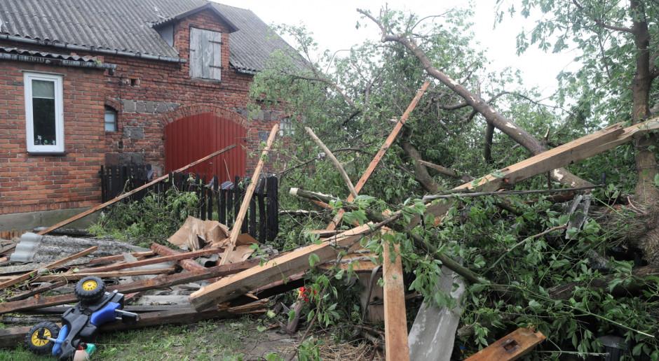 Rzecznik PSP: Ponad 2,5 tys. interwencji po burzach, najwięcej na Mazowszu