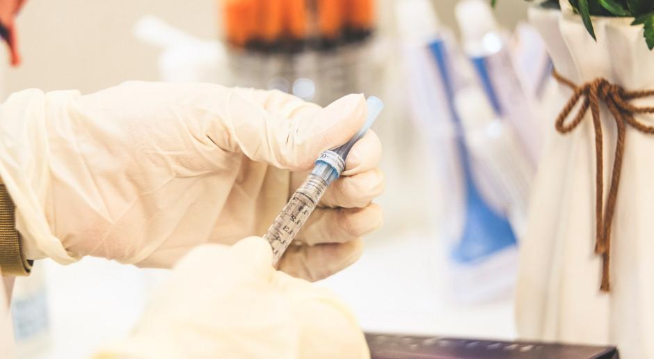 W przyszłym tygodniu dojedzie do Polski co najmniej 1,9 mln szczepionek przeciwko COVID-19