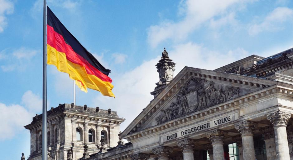 Ambasador Niemiec: Flagi opuszczone do połowy masztów na znak głębokiego bólu i wstydu